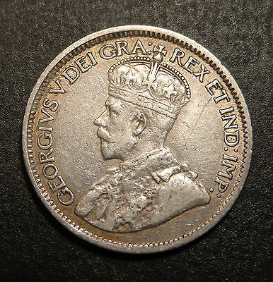 1913  10 Cents Canada Small Leaves Silver