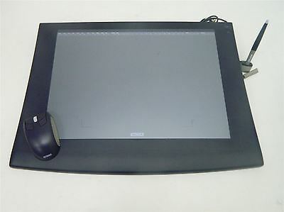 Wacom Intuos 2 A3 Graphics Tablet USB with Stylus and Intuos 2 4D Mouse