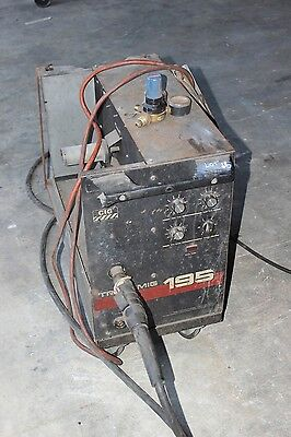 CIG Transmig 195 Single Phase 240V Welder w Argon Gauge