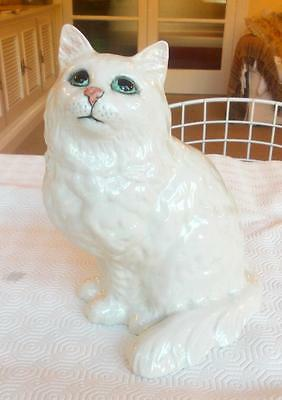 Vintage Beswick White Persian Cat Looking Up Model 1867 8.25In Height