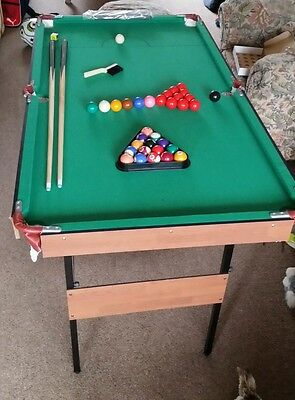 Pool snooker table 4ft6 x 2ft6 immaculate condition