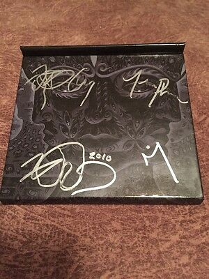 Tool Signed Auto 3D Book 10,000 Days Cd 2010