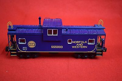 MTH Trains O scale N&W 555003 extended vision caboose (lighted) 20-91387