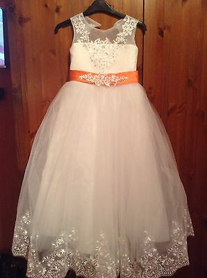 beautiful flower girl/bridesmaid dress new age 4 /5 Years