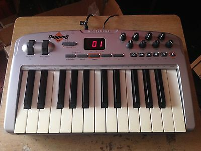 M-Audio Oxygen8 25 Key Midi Keyboard