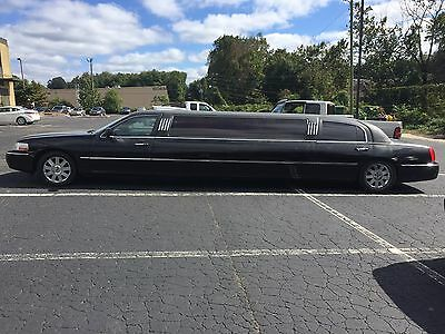2005 Lincoln Town Car  Limousine, 10 Passenger, Single Window