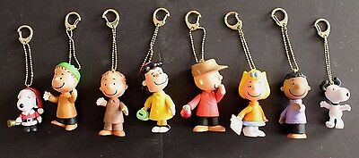 Peanuts-Charlie Brown-Snoopy-Linus-Lucy-Sally-Pigpen-Franklin - 8 Keychains
