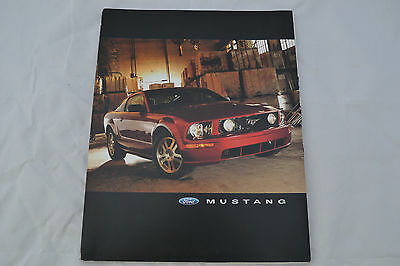 2005 Ford Mustang Press Release Kit