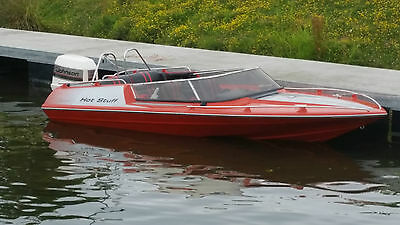 Broom Aquarius 16ft Speedboat & 150HP Outboard with trailer