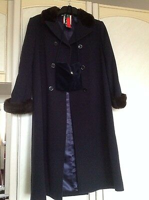 Bnwt M&s Navy Girls Winter Coat Age 9 With Bag