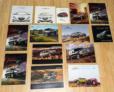 Lot Chevrolet & Chrysler Brochures - Jeep Grand Voyager 300C Lacetti Captiva
