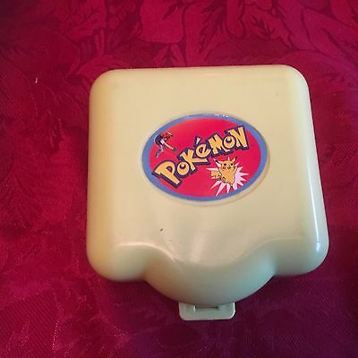 Vintage Pokemon Polly Pocket Case With 2 Figures Charmander And Evie