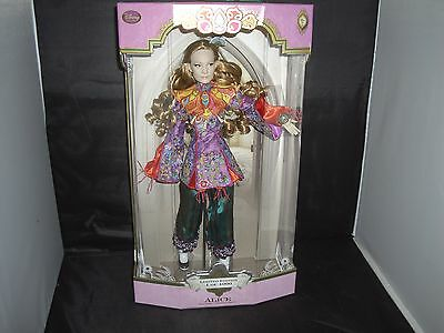 Disney Alice Through the Looking Glass Alice-Limited Edition