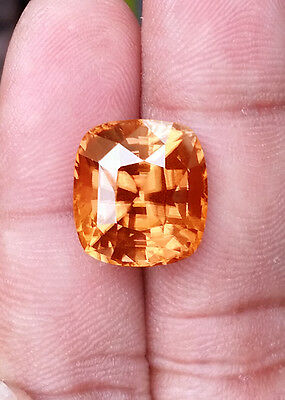 Superb Beige Color Zircon 21.05 Cts / Excellent Cut  / Top Luster / Unheated