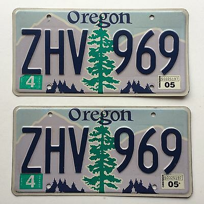 Oregon 2005 Pair Vintage License Plate Garage Old Car Auto Tag Man Cave ZHV