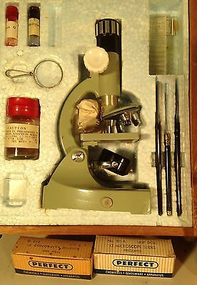 Vintage DELUXE High-Quality TASCO Microscope ZOOM 50 -750X w/WOOD Case & Slides
