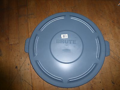 Rubbermaid Brute Lid Fits 44 Gallon Container
