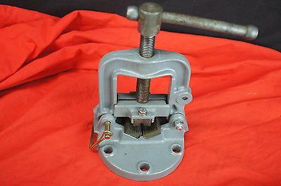 Bench Mount Small Pipe Vise Vice Round Material Tubing Plumbing Iron Cast