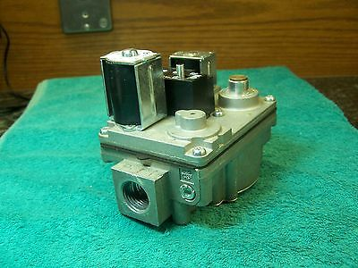 White Rodgers gas valve 36E24 209 Carrier EF32CW200 A