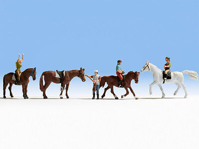 4 Horses & 3 Riders + trainer - OO/HO figures - Noch 15630 - free post