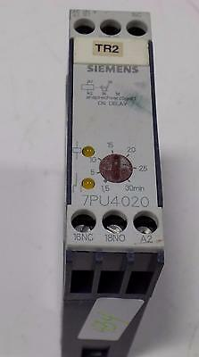 Siemens 110/127V 50/60Hz Time Delay Relay 7Pu4020-5Aj20