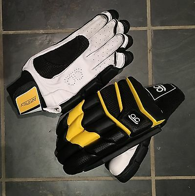 "Affinity Cricket ""Lashings"" Batting gloves RH"