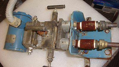 Rosemount Differential Pressure Transmitter 2024 D2A22A2S1H1002B1 with manifold