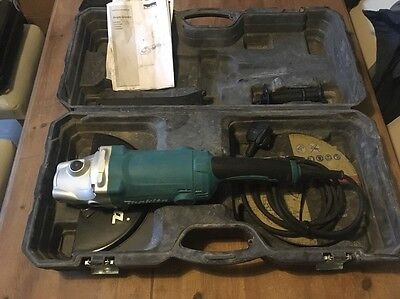 """MAKITA GA9050 CORDED 230V 9""""/230mm ANGLE GRINDER AND CARRY CASE"""