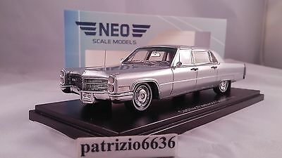 Neo Scale Models 1/43 Cadillac Fleetwood Limousine 75 Silver 1966 Art. NEO44402