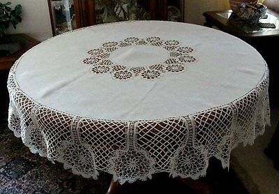 "FAB Antique Linen Hand Made Bobbin Lace 70"" ROUND Tablecloth PRISTINE"