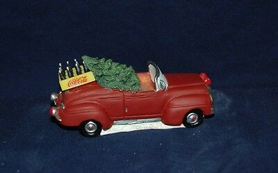 Coca Cola Town Square Collection Figurine Car With Christmas Tree