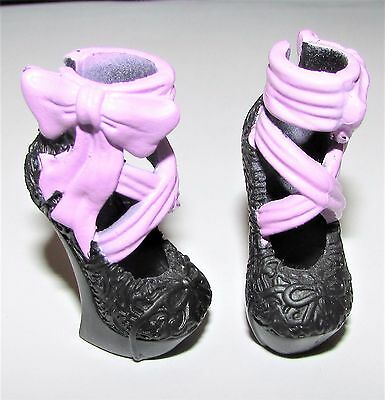 Shoes from Ever After High/Monster High Signature Duchess Swan Doll