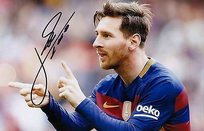 Lionel Messi Genuine Authentic Signed 12 X 8 Barcelona Photo Aftal