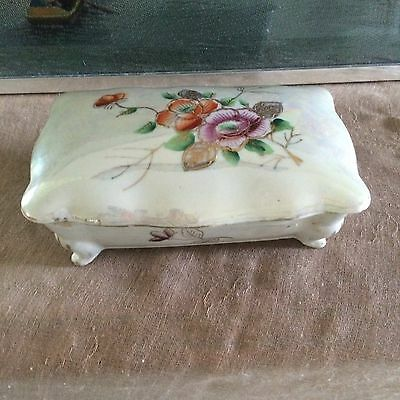Asian Chinese Porcelain box with lid  Hand painted