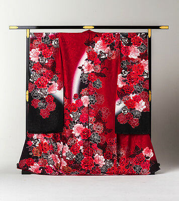 Japanese Kimono Furisode 3-colored Rose (Red and Black)
