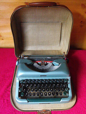 Imperial good companion 4 typewriter in case