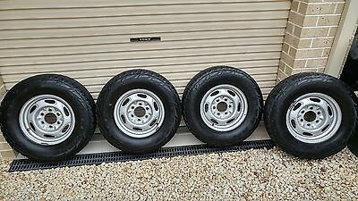 Set of 4 Ford Ranger PJ 15 inch wheels and tyres