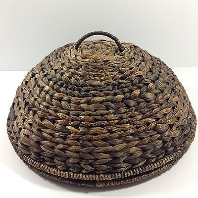"""Woven Seagrass Dome 12"""" Food Protector"""