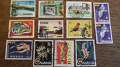 LOT Collection 12 Timbres GHANA - DIVERS