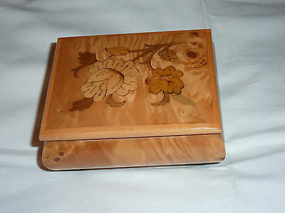 Musical Box - Wooden With Marquetry - Italian Made - Isle Of Capri Tune