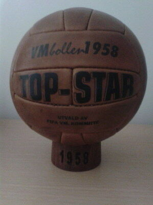 OFFICIAL MATCH BALL 1958 WORLD CUP IN SWEDEN. TOP STAR MODEL (Pre adidas)