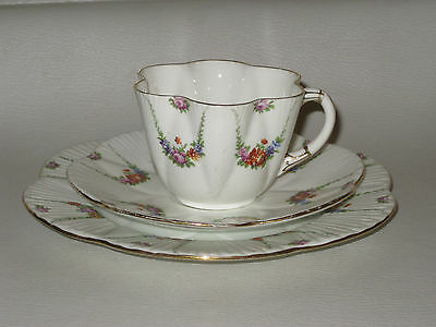 ANTIQUE FOLEY WILEMAN DAINTY SHAPE TRIO - FLORAL SWAGS 10318 cup A/F