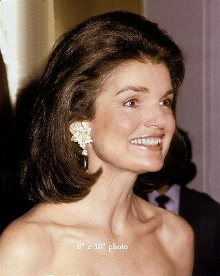 JACQUELINE KENNEDY ONASSIS gorgeous color candid photo bare shoulders L152