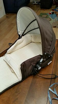 Valco Baby Single Tri-Mode Husssh Bassinet Color - Hot Chocolate