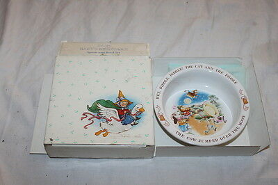 Avon Baby's Keepsake Spoon and Bowl Set Hey Diddle Hickory Dickory 1984 in box