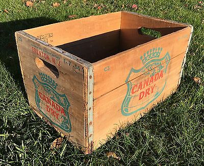 A+ Authentic Vintage CANADA DRY Ginger Ale Soda Wooden Crate Metal Trim C3 T7-56