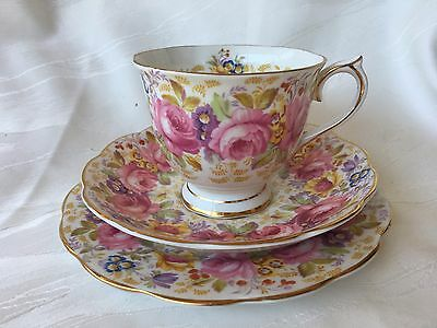 Royal Albert - Serena - Trio - Bone China - Made In England - Cup/saucer/plate