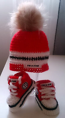 Winter 2017 Baby Crochet Trainers And Hat,fur Pom Pom,reds,handmade