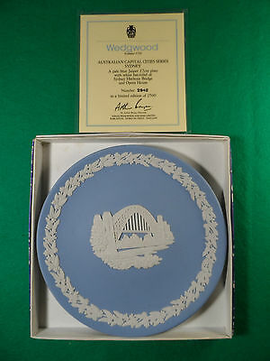 WEDGWOOD LIMITED EDITION AUSTRALIAN CAPITAL CITIES PLATE, SYDNEY, No.2242 BOXED