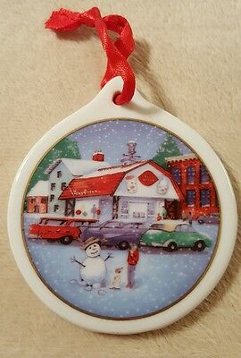 Dairy Queen porcelain ceramic Christmas Ornament 1998 Collectible